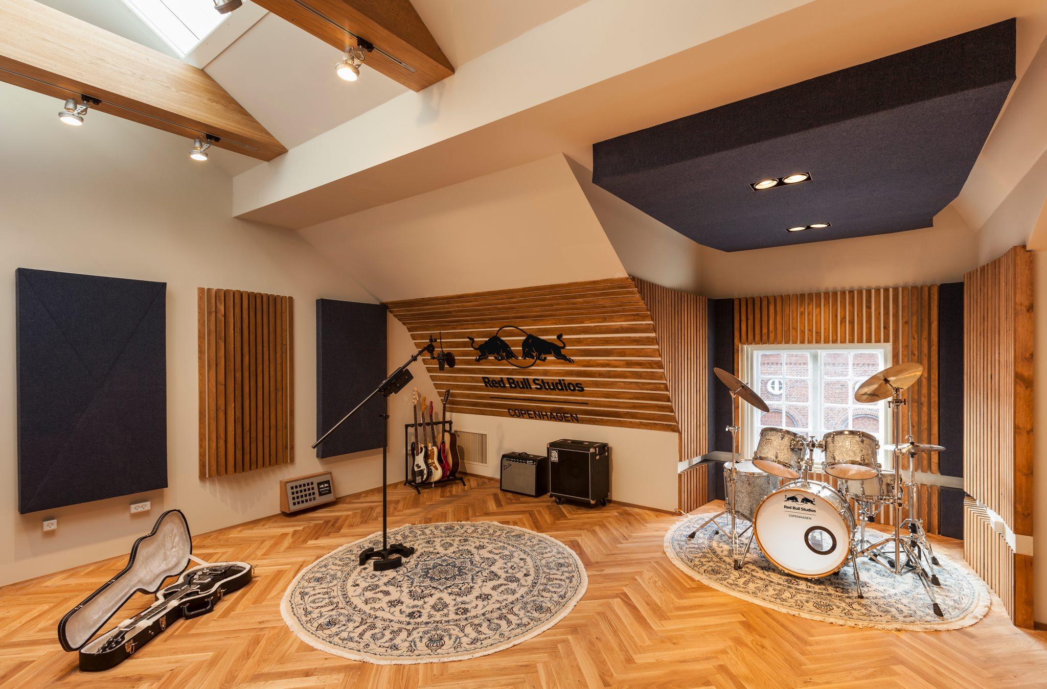 redbull studio copenhagen woodcraft. Black Bedroom Furniture Sets. Home Design Ideas